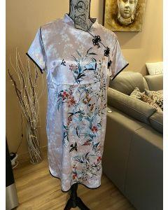 Kleid im Asiastil
